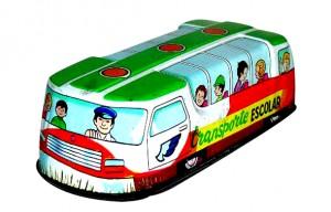 Autobus escolar hojalata