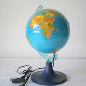 Bola-del-mundo-con-luz