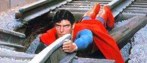 Superman escena vía tren