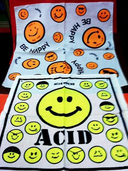 Diez prendas y accesorios imprescindibles en los veranos for House of acid