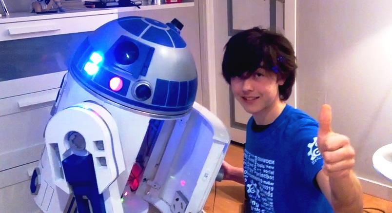 Edu y R2